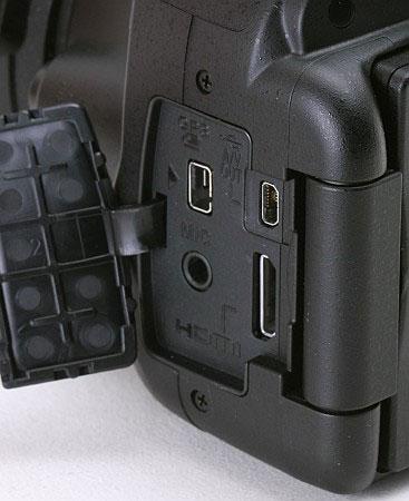 Цифровая зеркальная фотокамера Nikon D5100 (разъемы)